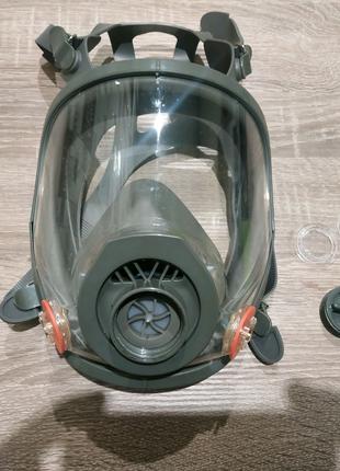 Полнолицевая защитная маска (противогаз)