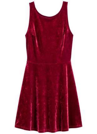 Короткое велюровое  красное платье без рукавов h&m