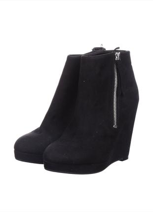 Стильные ботиночки искуственная замша черного цвета h&m