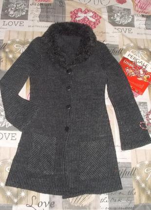 Кардиган черно-серого цвета с меховым воротничком р. 42-44/s-m