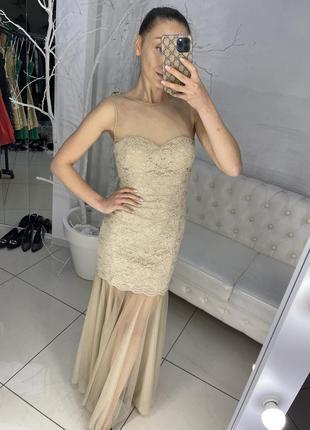 Красивое вечернее платье