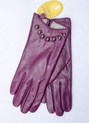 Кожаные перчатки в бордовом цвете