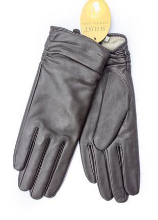 Женские кожаные перчатки темно-коричневые