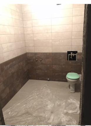 Укладка плитки на стены, пол в ванной, туалете, коридоре, кухне