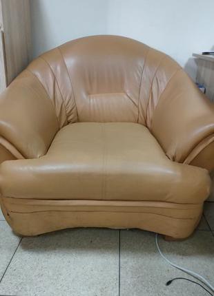 ТОРГ Мягкое кресло кожзам