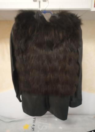 Натуральная кожаная куртка с мехом енота утепленная