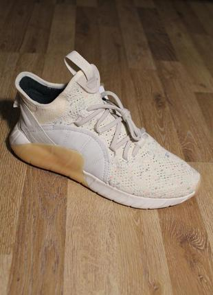 Шикарні кросівки adidas tubular rise