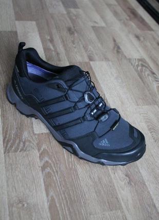 Шикарні кросівки adidas terrex з gore-tex оригінал