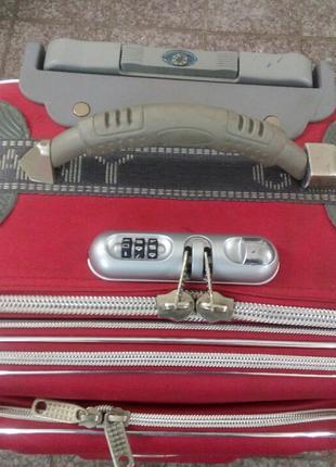Ремонт чемоданов пластикового, тканевого, кожаного и кожзам.