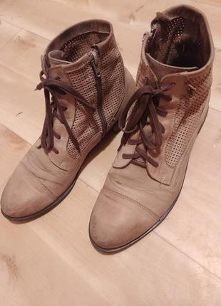 Кожаные ботинки (41 размер)