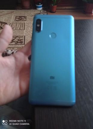 Xiaomi Redmi note 5 голубого цвета