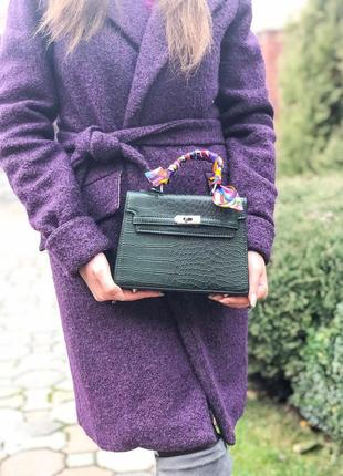 Темно-зеленая женская сумка с платком