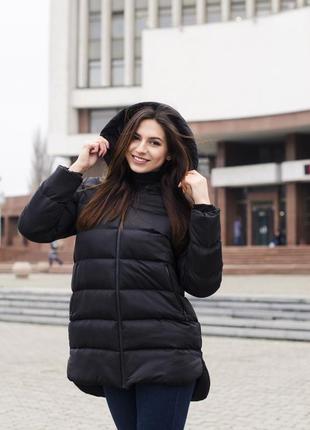 Женская куртка чёрная с капюшоном