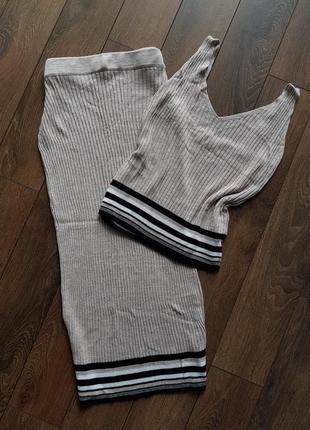 Трикотажный костюм майка юбка
