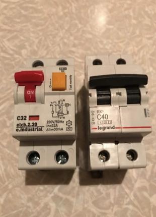 Диференциальный автомат (дифавтомат) и Автоматический выключатель