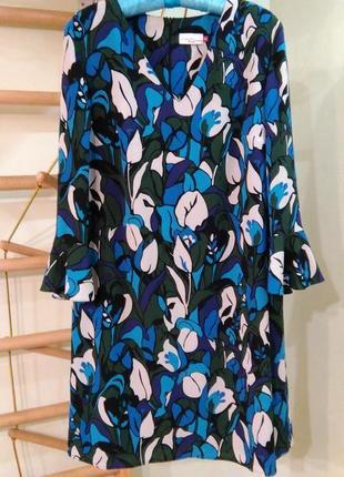 Красивое платье прямого кроя