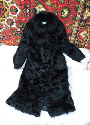 Шуба 48-52р натуральная из козы.