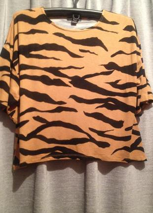 Укороченная футболочка большого размера.242