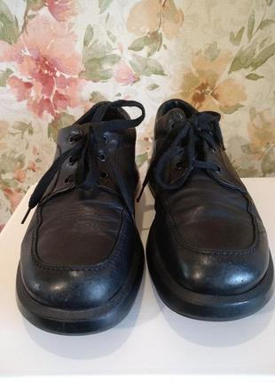 Кожаные ботинки, туфли