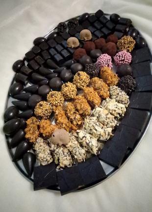 Шоколадные конфеты ,мармелад,пряники