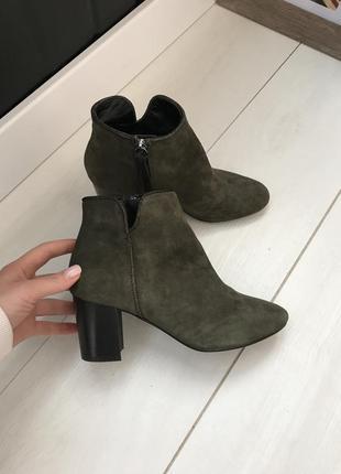 Оливковые ботинки minelli оригинал