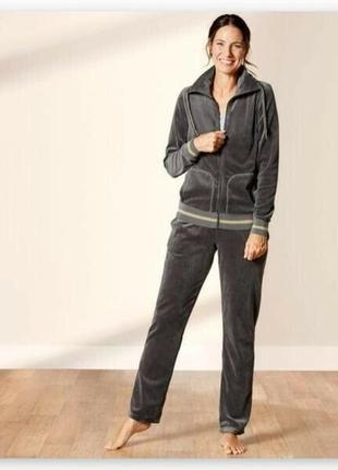 Женский велюровый костюм esmara германия, штаны кофта