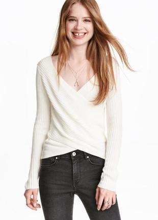 Женский вязаный кремовый белый джемпер пуловер на запах демисе...