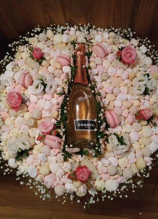 Букет из сладостей с шампанским