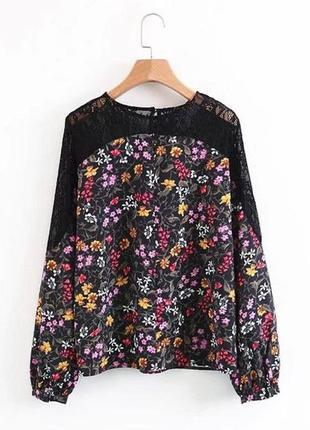 Цветочная блузка с кружевом zara