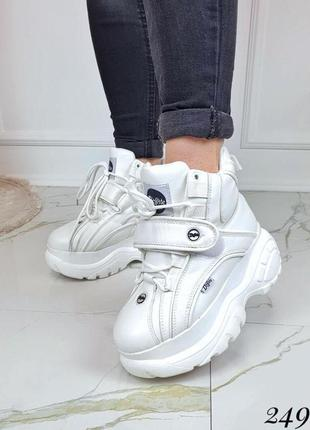 Зимние  высокие кроссовки в стиле буффало,зимние ботинки на пл...