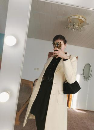 Пальто белое кашемировое