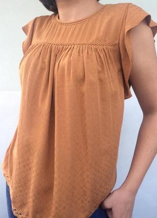 Вискозный топ/блузка цвета карамели с вышивкой
