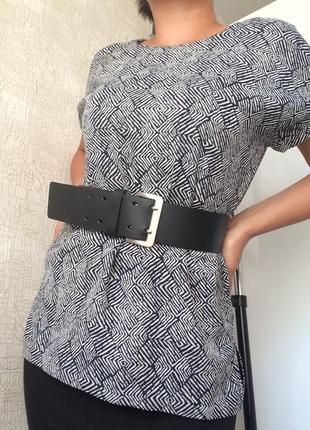 Фактурный принтованный топ/футболка/блузка