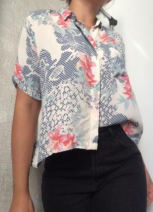 Укороченная рубашка/блузка/топ в цветочный принт
