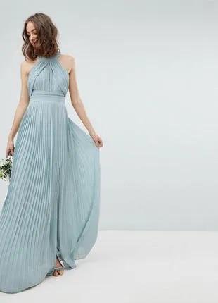 Длинное платье бирюзового цвета с плиссировкой