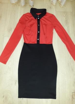 Актуальное черно-красное платье