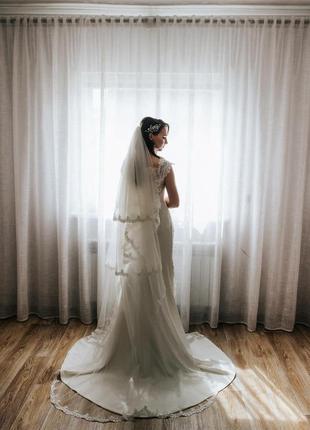 Продам шикарну весільну сукню італійського бренду daniela di m...