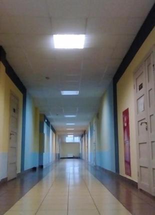 Производим замену освещения на светодиодное LEDв офисах, боль...