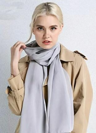 Шифоновый шарф серый в наличии