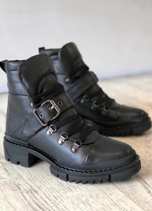 Крутая модель! зимние кожаные ботинки на шнуровке