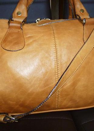Стильная вместительная сумка натуральная кожа minelli италия