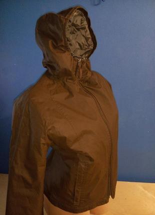 Короткая курточка от непогоды