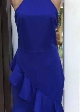 Синее приталенное платье с имитацией запаха и сборками по низу💃
