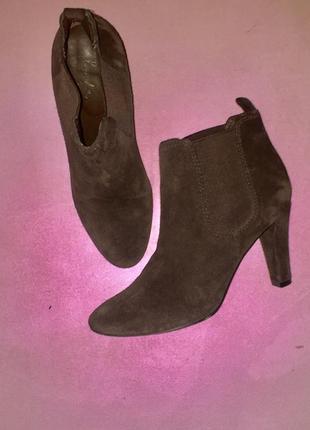 Замшевые ботинки ботиночки ботильоны челси