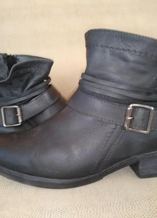Кожаные ботинки размер 39-40