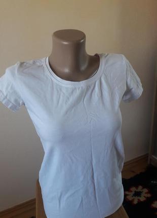 Базова біла футболка + подарунок