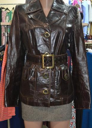 Кожаная женская куртка размер m