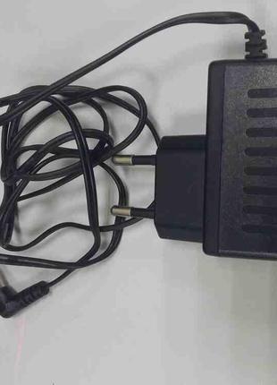 Зарядные устройства для аккумуляторов Б/У AC/DC Adaptor