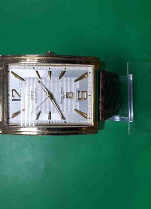 Наручные часы Б/У Orient UNED002W