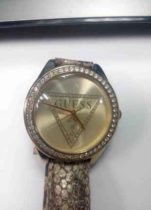 Наручные часы Б/У Guess W70015L2